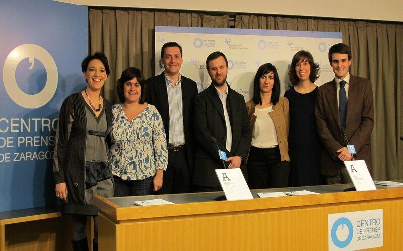 En la presentación de uno de sus libros en la sede de la Asociación de Periodistas de Aragón