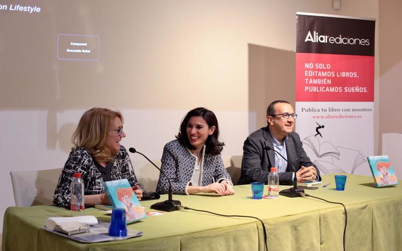 """Presentación del libro """"Todas las vidas de Cartago"""", junto a su autora, Rita Marín y a Encarna Ximénez de Cisneros. 2019."""